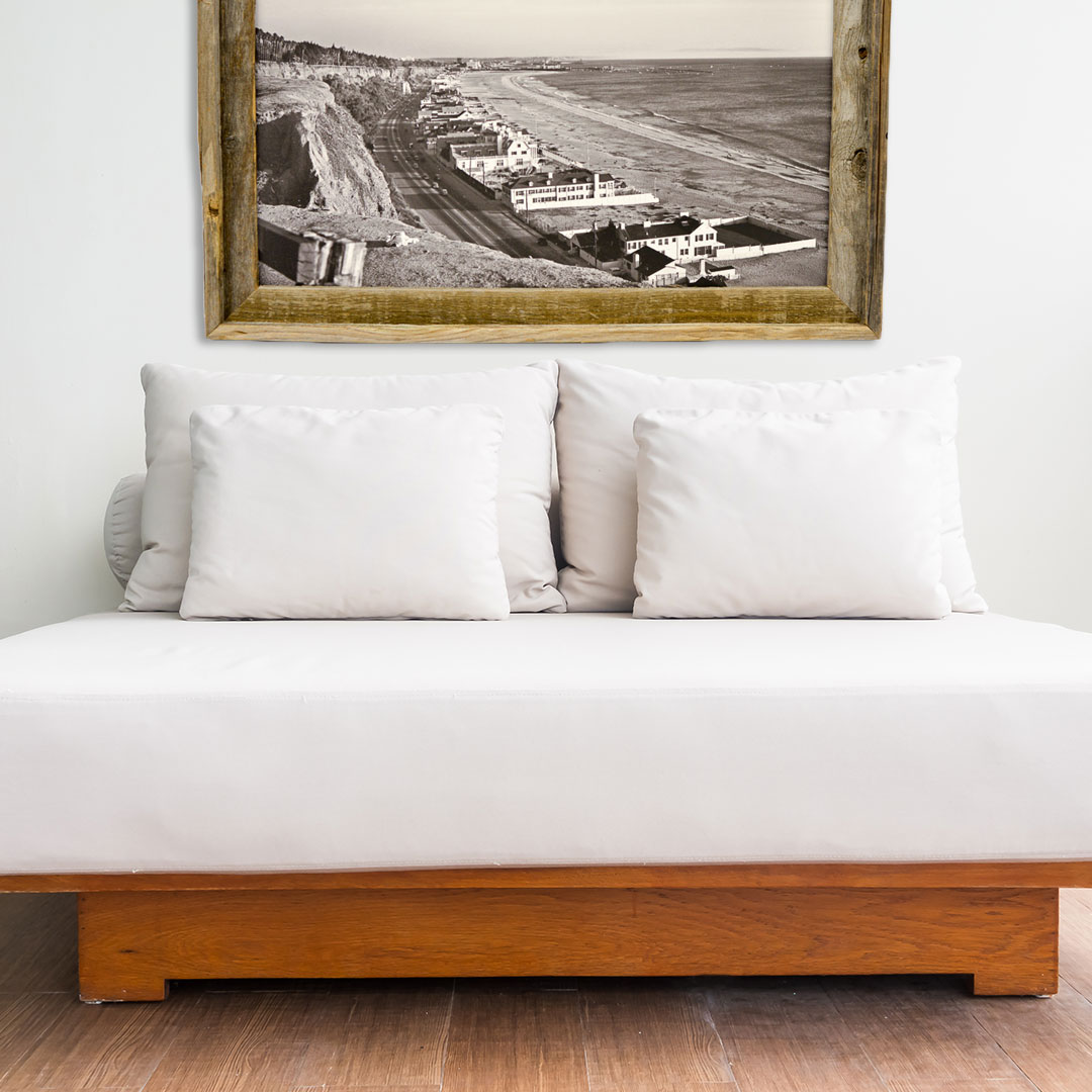 Wood-frame-Beaches-Frame